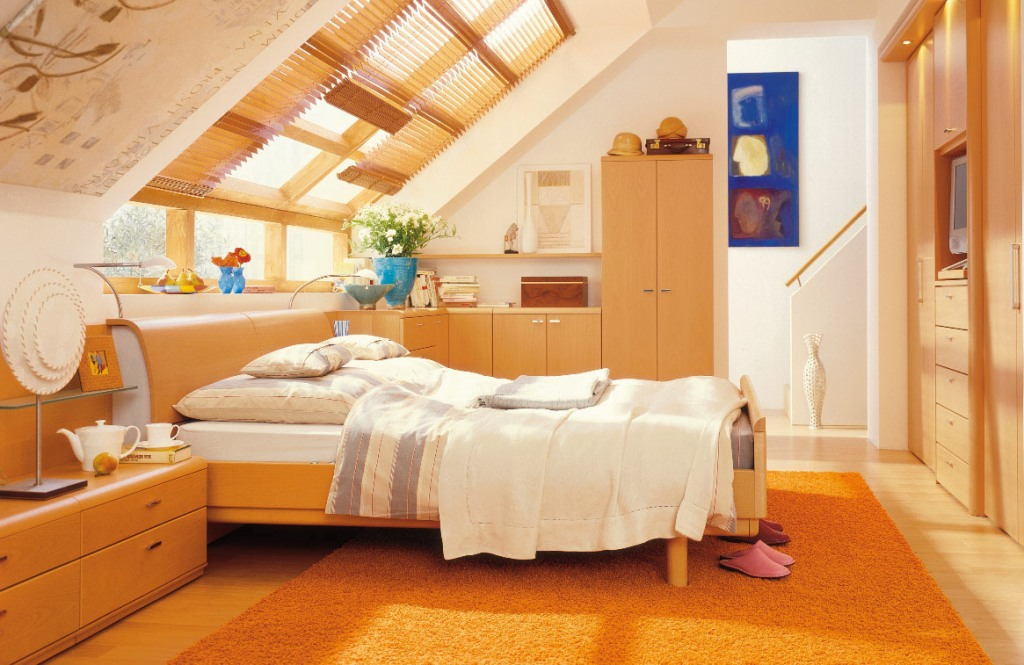 Image of: Attic Bedrooms With Slanted Walls