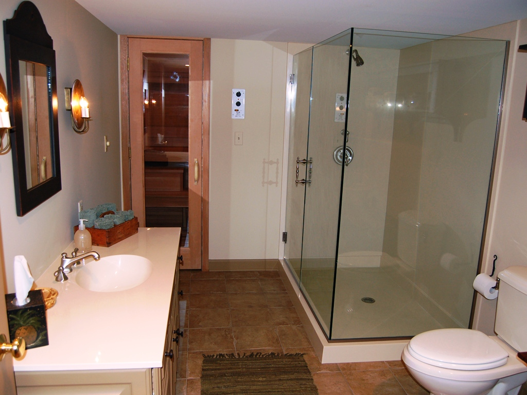 Image of: Basement Bathroom Ideas Small Spaces