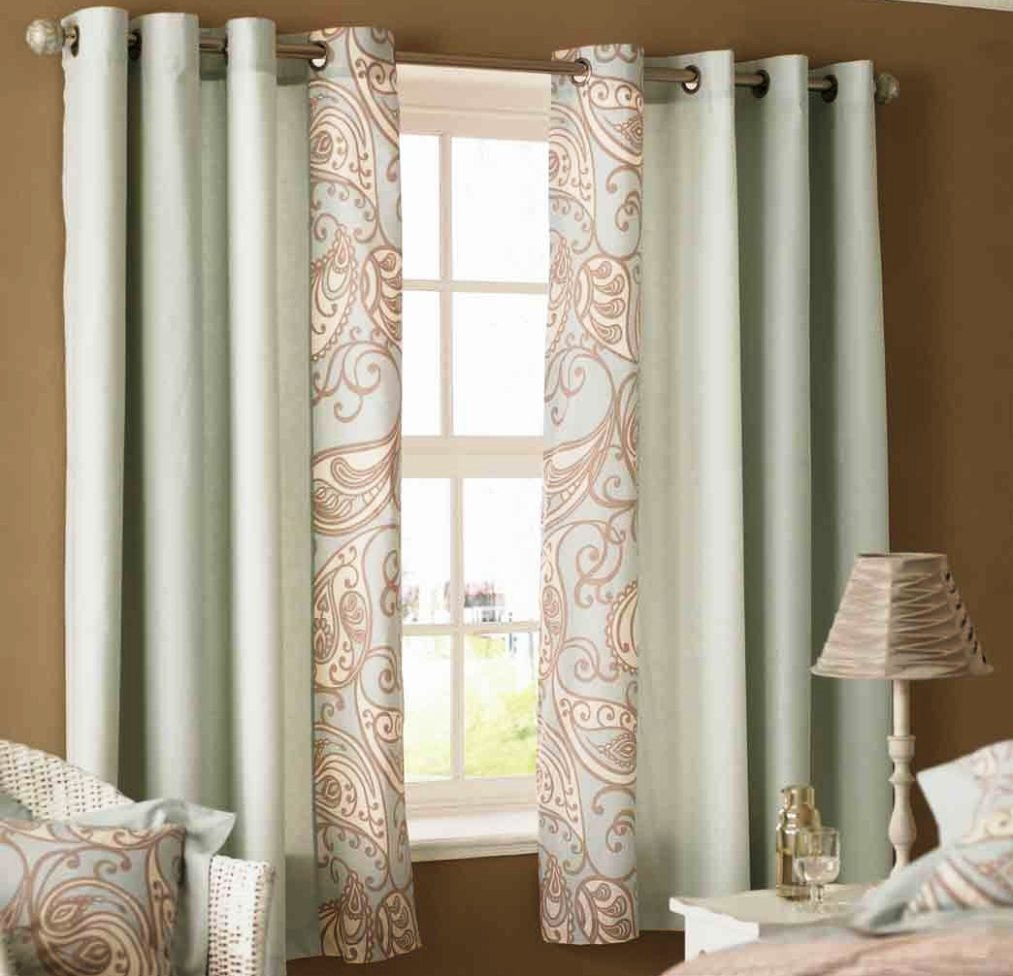 Bay Window Dressings