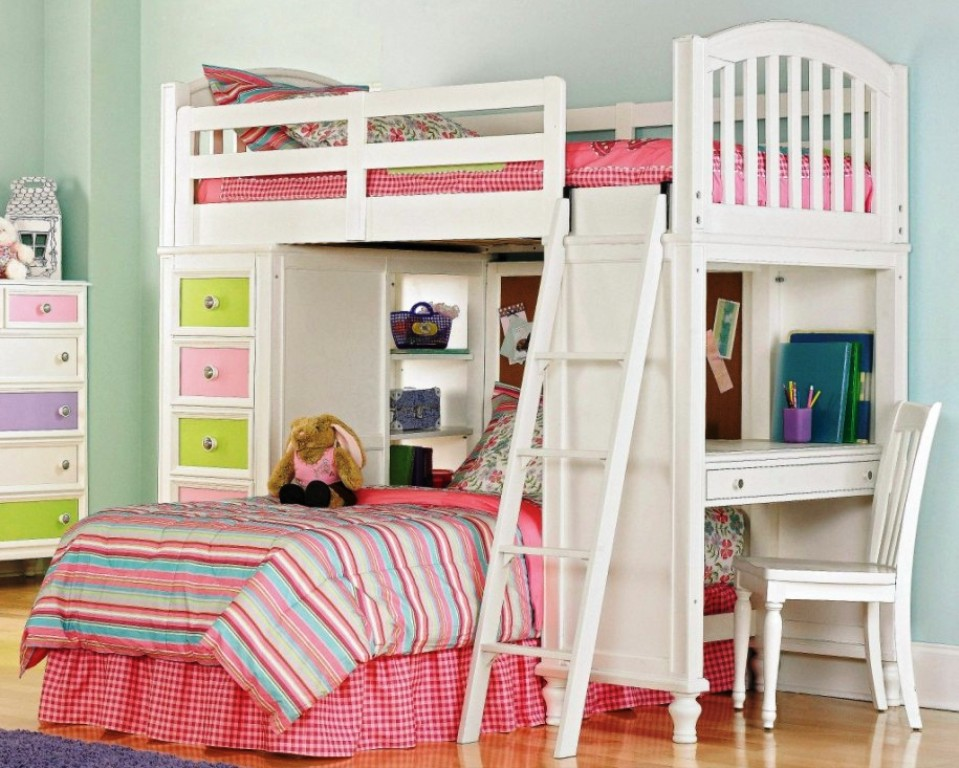 Image of: Bunk Bed Ideas Small Room