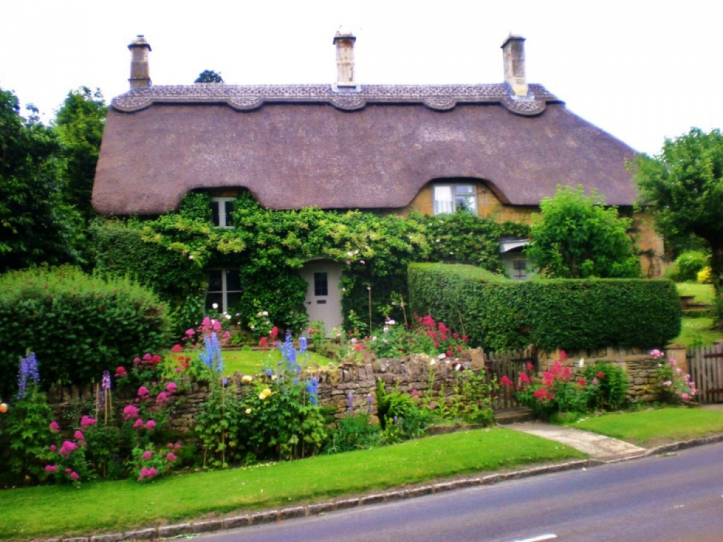 Image of: Country Cottage Garden