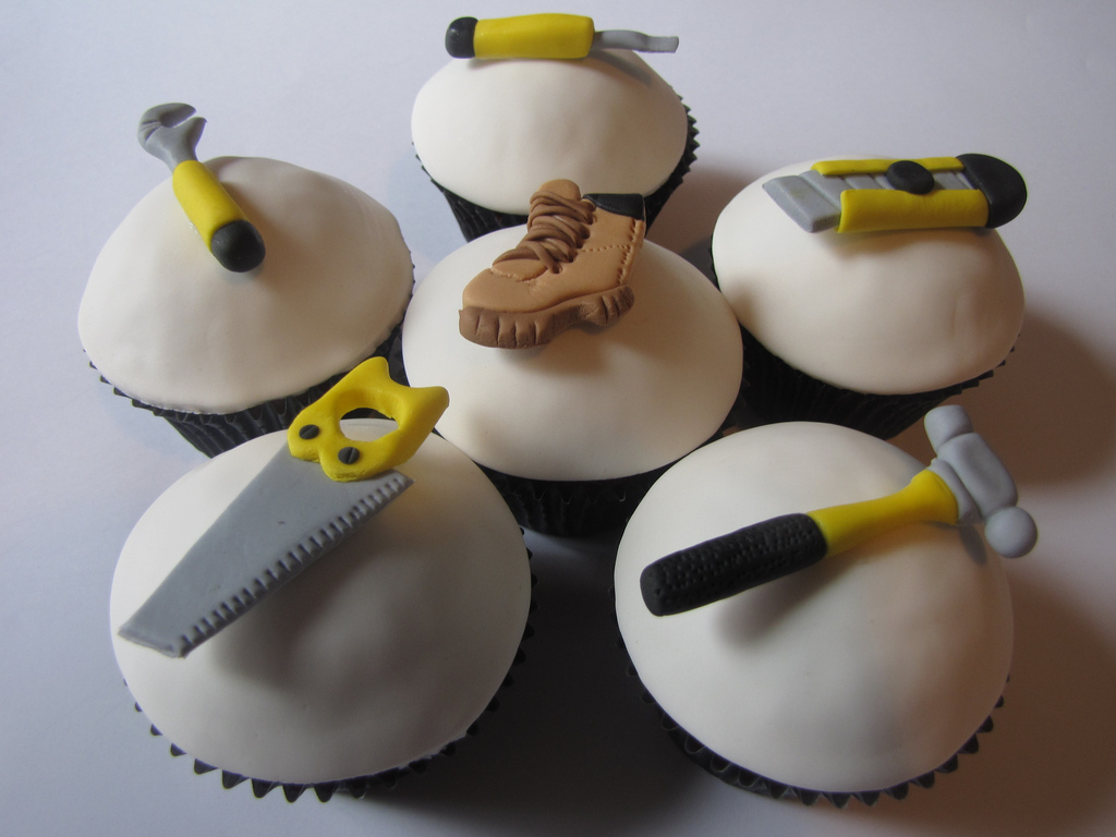 Image of: Decorating Cupcakes For Graduation