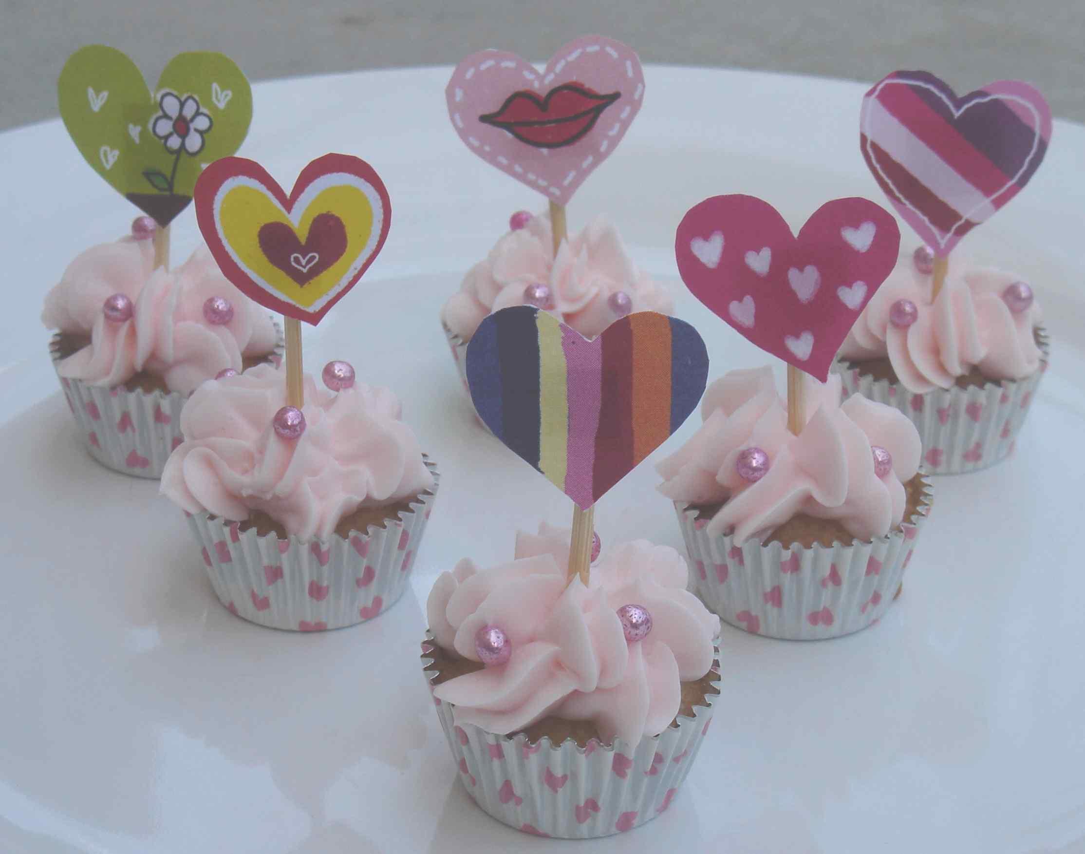 Decorating Cupcakes With Frosting