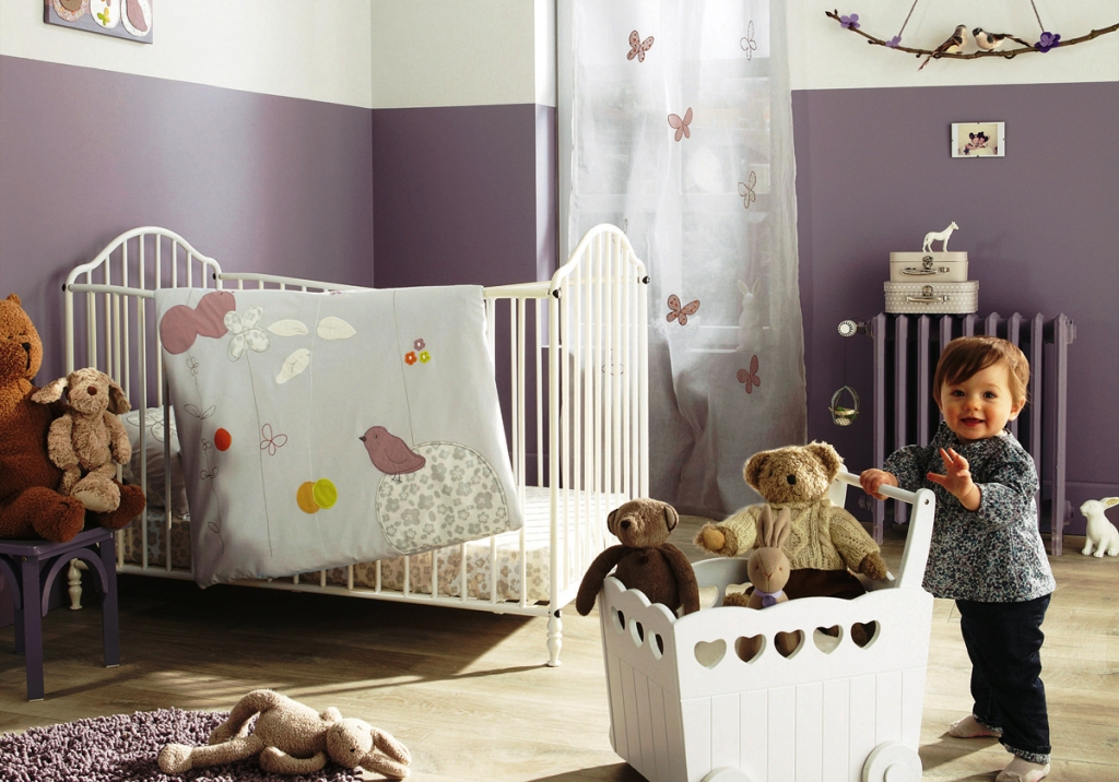 Image of: Decorating Small Nursery