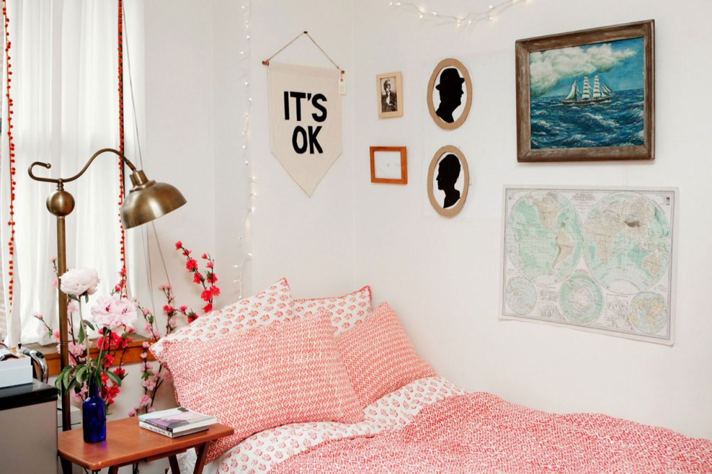 Image of: Dorm Wall