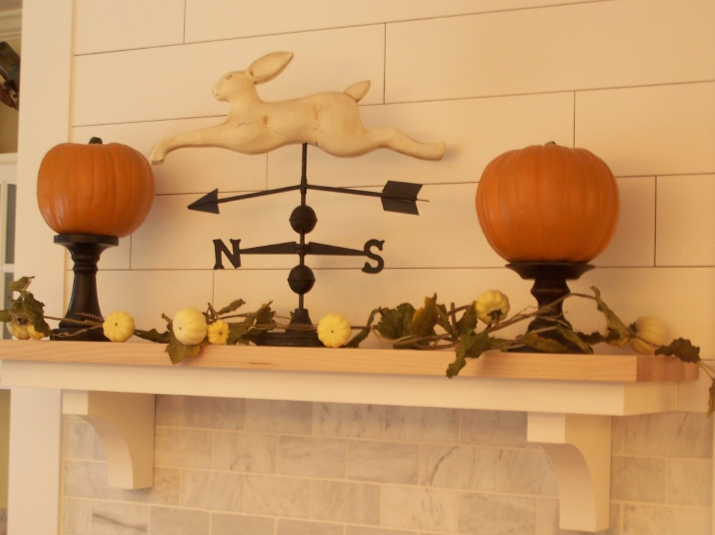 Image of: Fall Fireplace Mantel