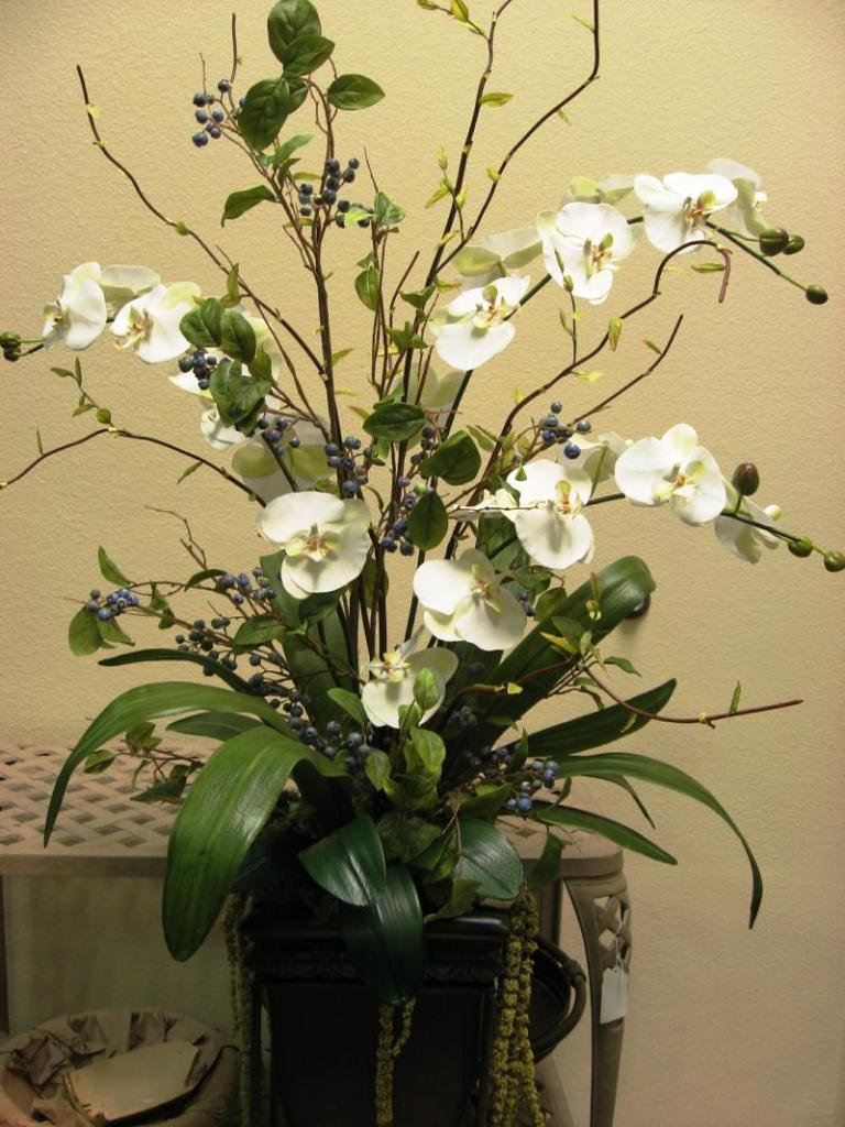Image of: Flower Arrangements For Home Decor