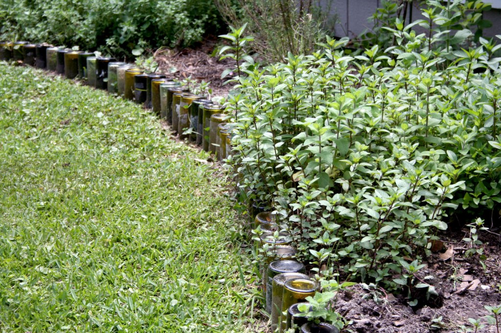 Image of: Garden Edging Idea