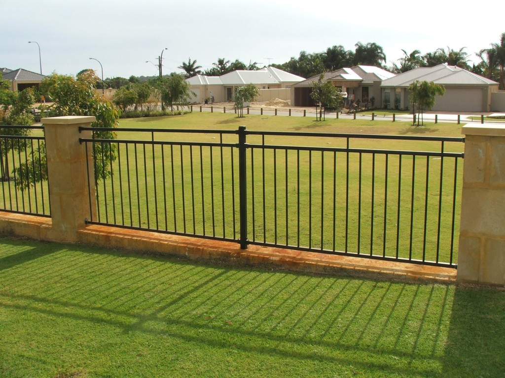 Image of: Garden Fences And Gates