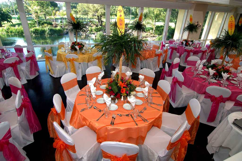 Image of: Hawaiian Party Decor