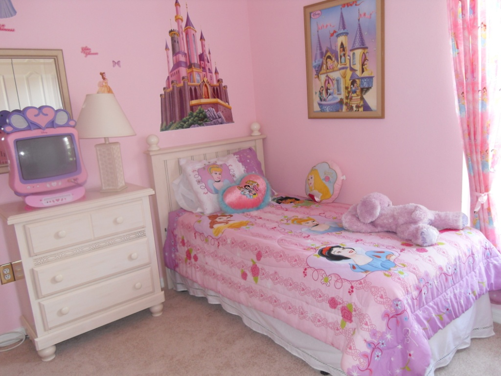 Image of: Cute Little Girl Bedroom Decorating Ideas
