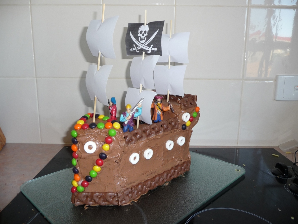 Image of: Pirate Decorations For Kids