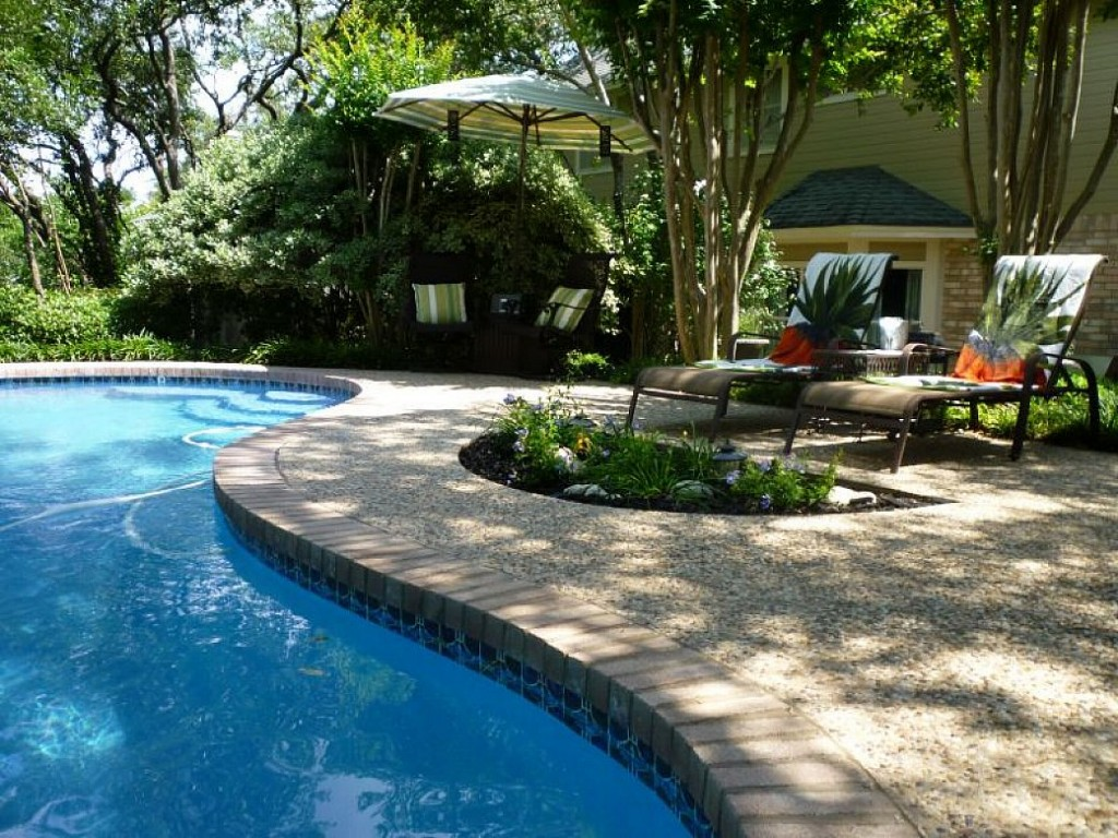 Image of: Pool Landscaping Pictures Ideas