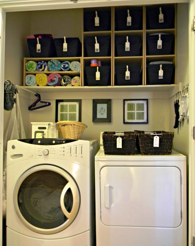 Image of: Small Laundry Room Cabinet Ideas