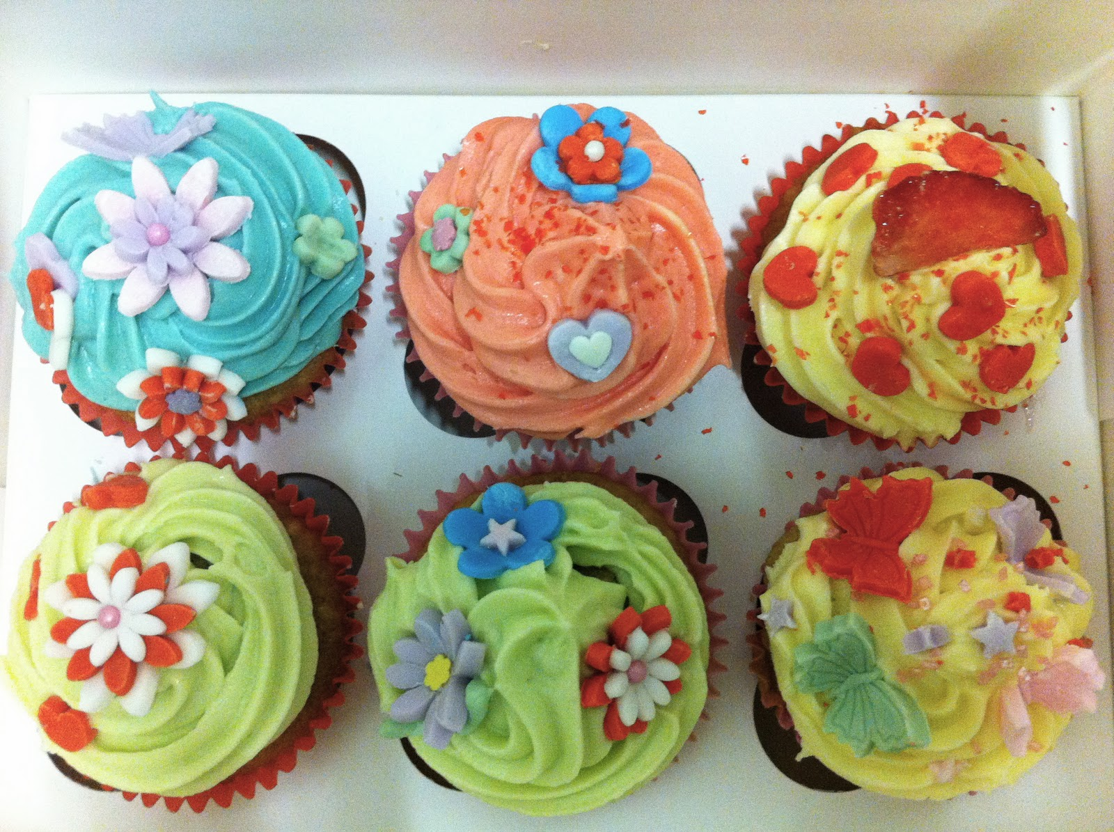 Image of: Tips On Decorating Cupcakes