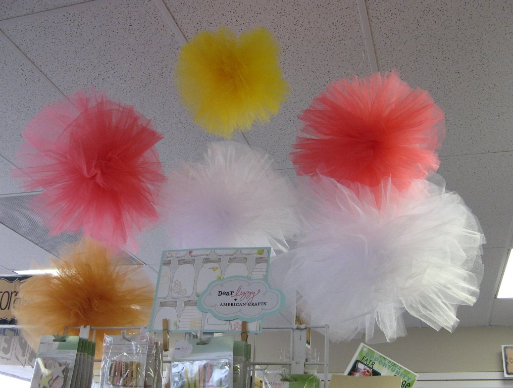 Image of: Tulle Fabric For Weddings