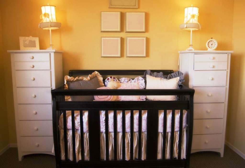 Image of: Very Small Nursery Ideas