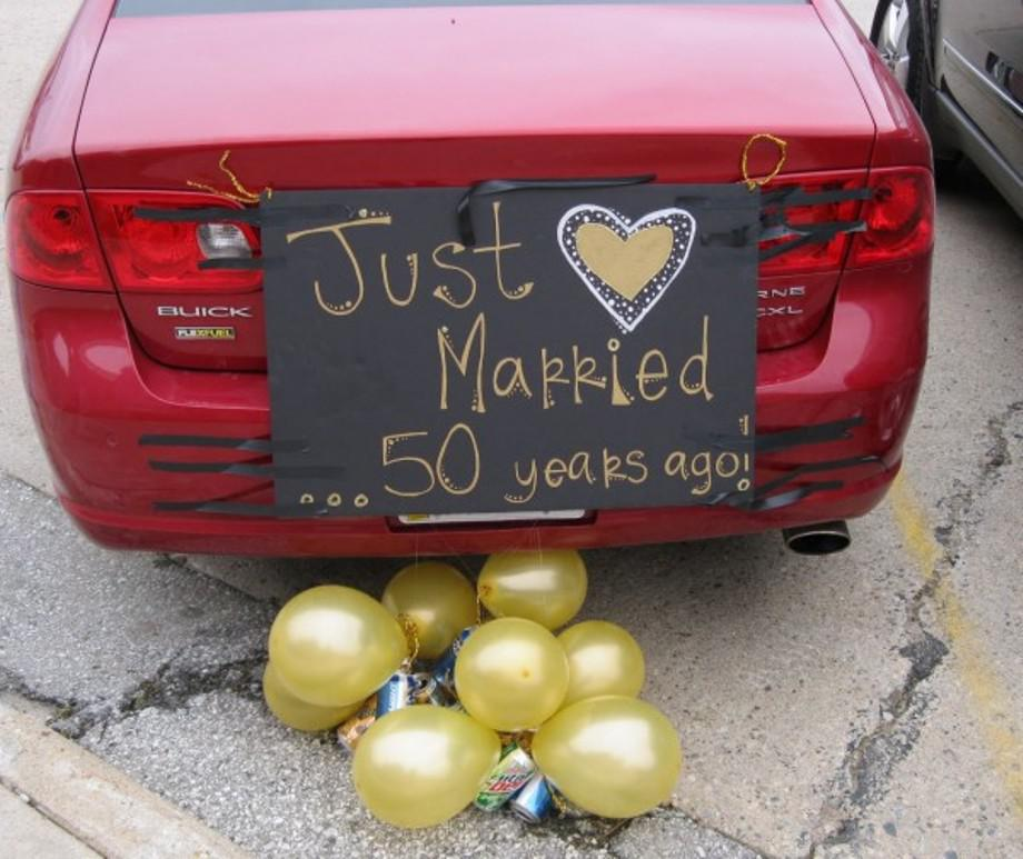 Image of: 50th Wedding Anniversary Decorations To Make