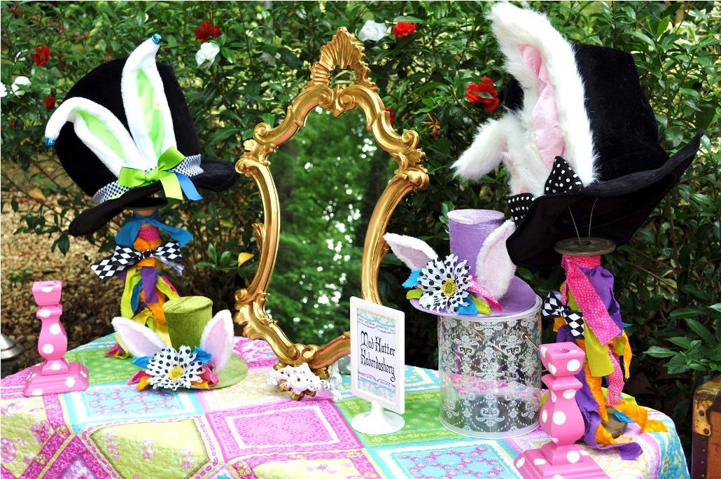 Image of: Alice In Wonderland Party Decorations Mad Hatter
