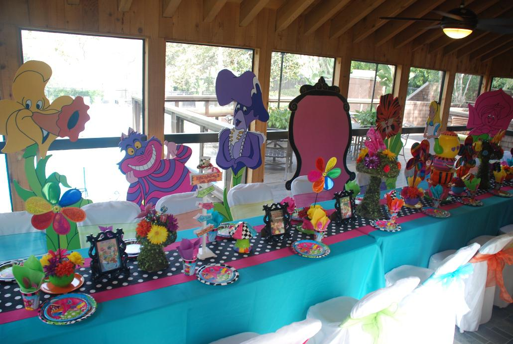 Image of: Alice In Wonderland Party Decorations Pinterest