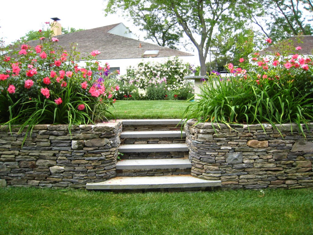 Image of: Backyard Landscaping Ideas