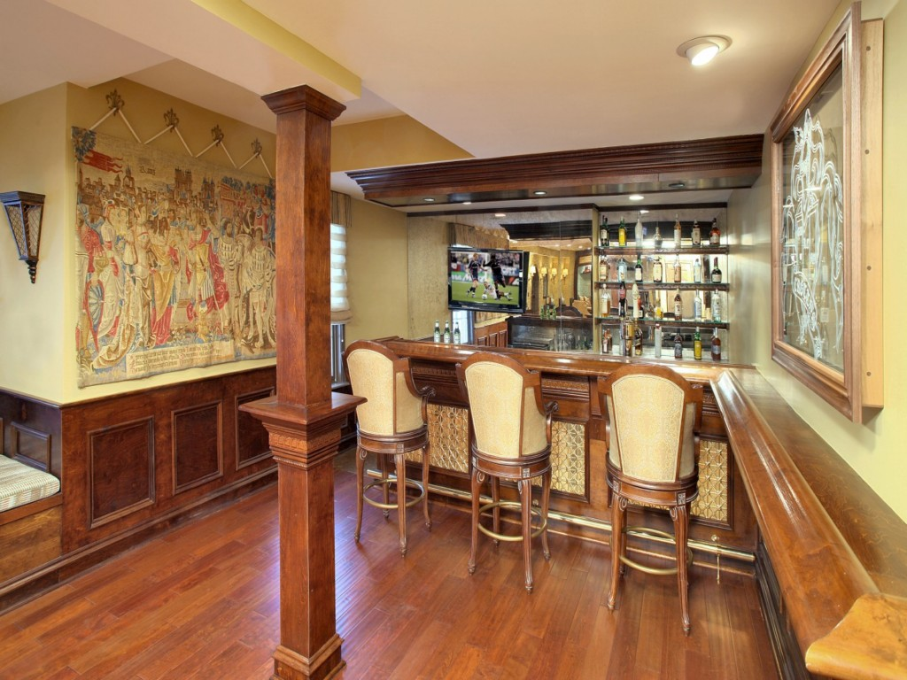 Image of: Basement Bar Designs Pictures