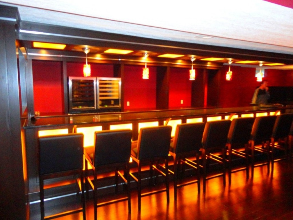 Image of: Basement Bar Furniture