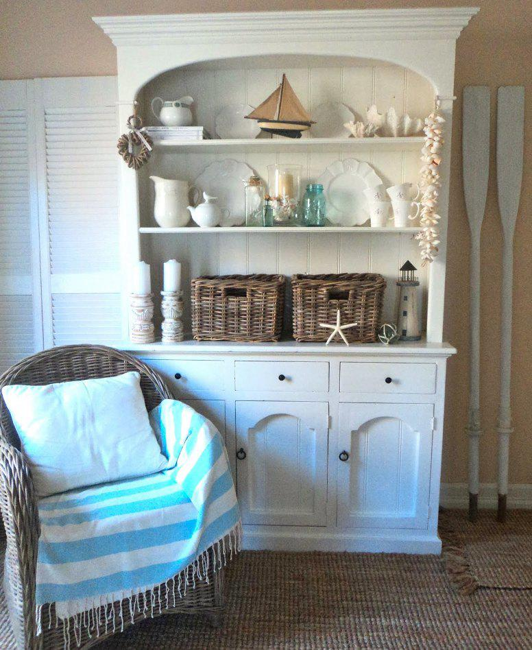 Image of: Beach Cottage Furniture and Decor