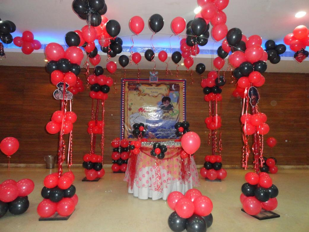 Image of: Best Black and White Party Decorations