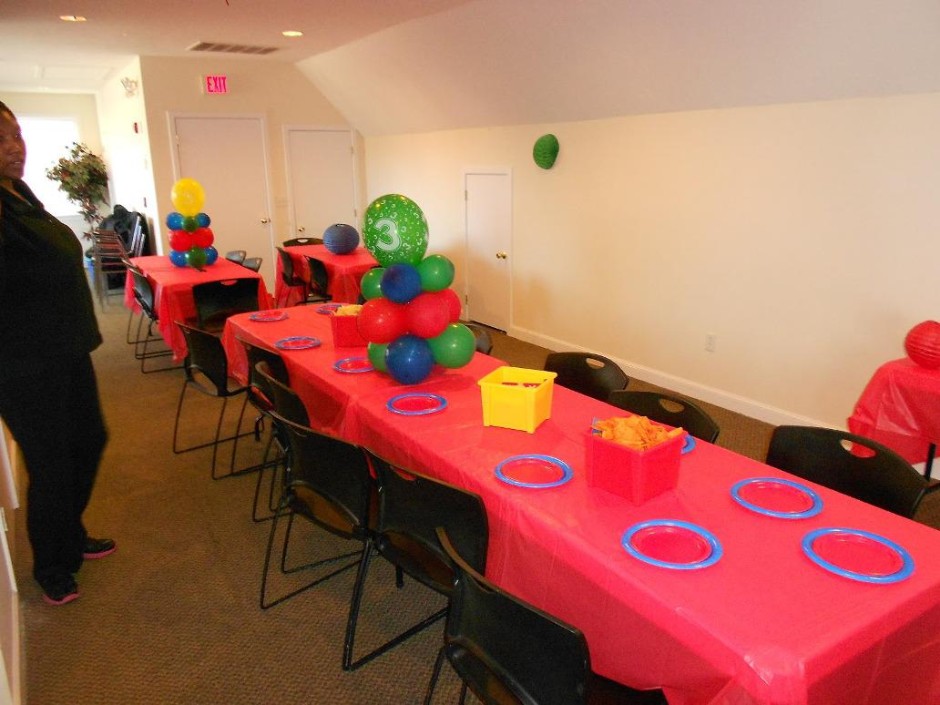 Image of: Birthday Party Decorations Games