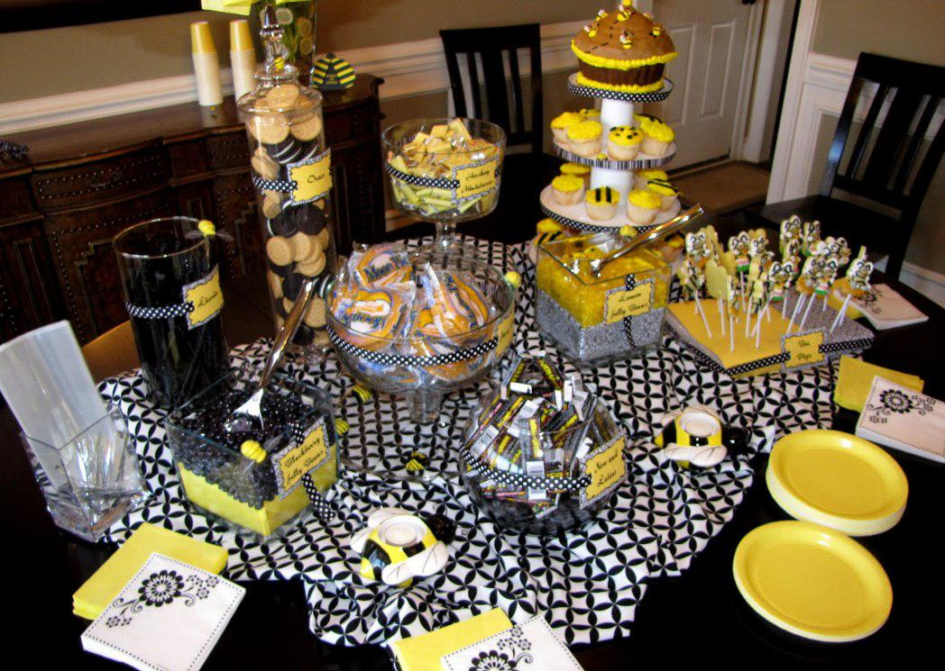 Image of: Black and White Party Supplies