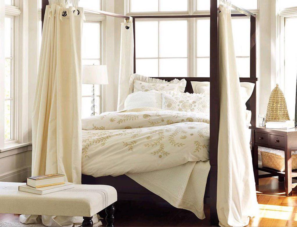 Image of: Canopy Bed Curtains