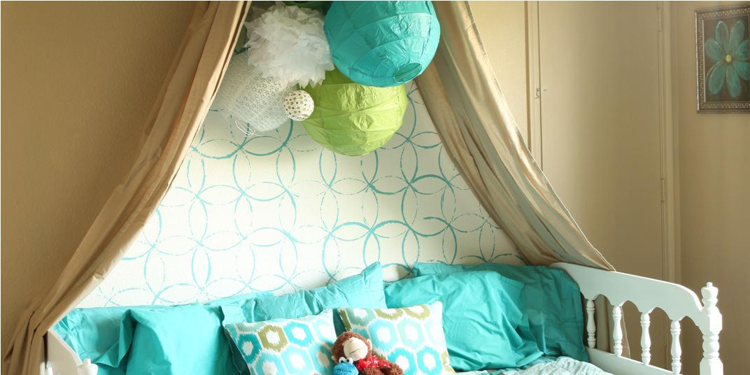 Image of: Canopy Bed Girls