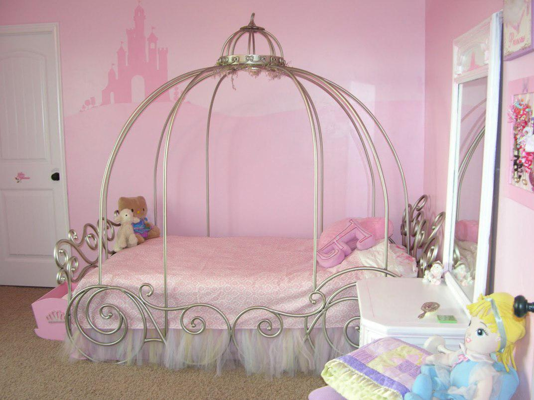Image of: Canopy For Girls Bed