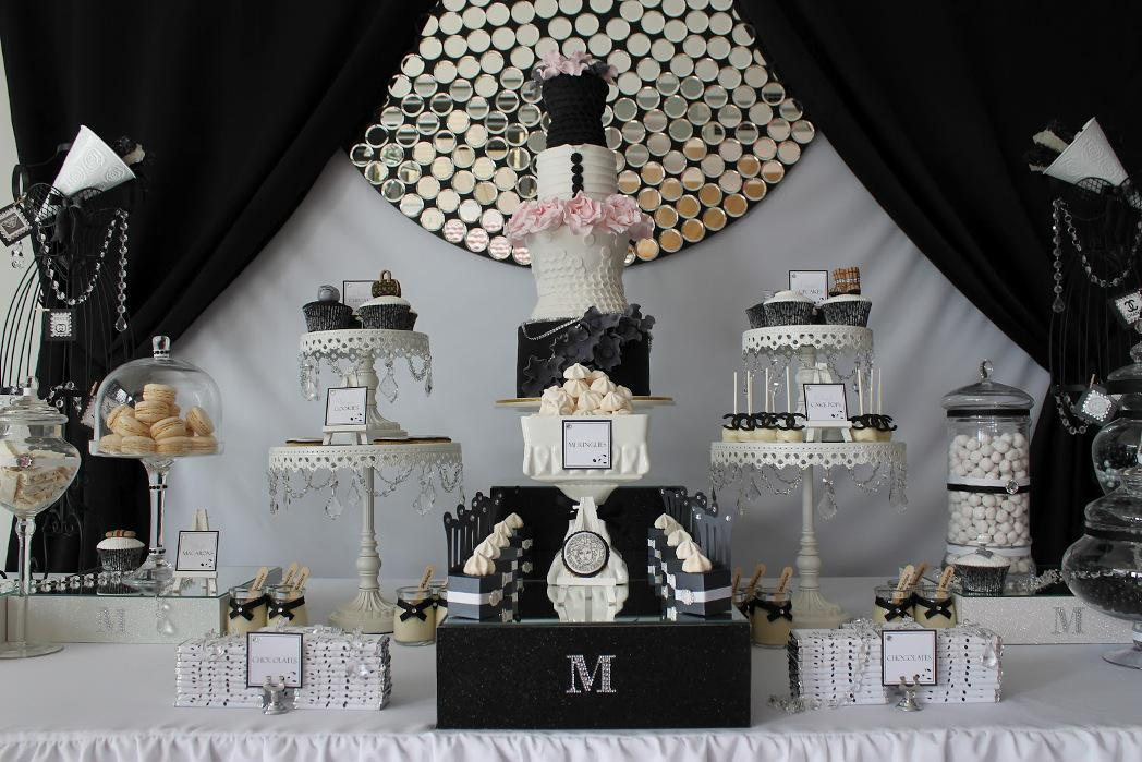 Image of: Charming Black and White Party Decorations