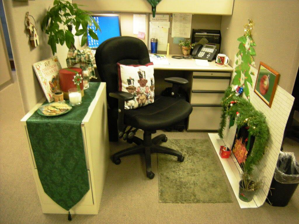 Image of: Christmas Cubicle Decoration In Office