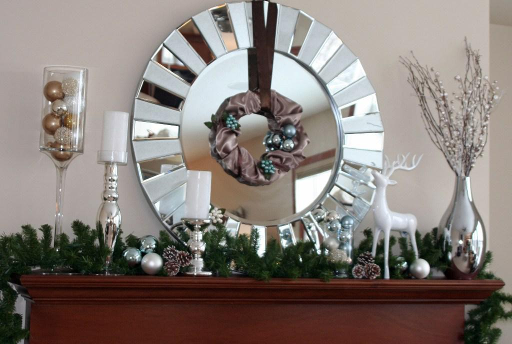Image of: Christmas Mantel Decoration
