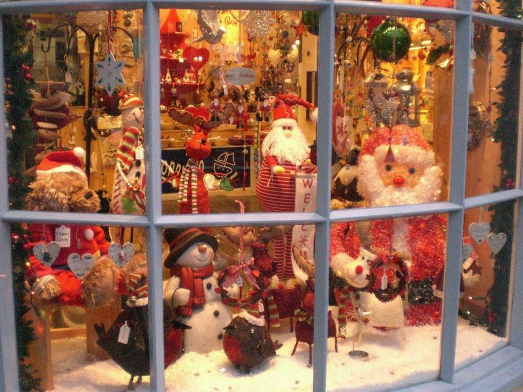 Image of: Christmas Window Decor Ideas