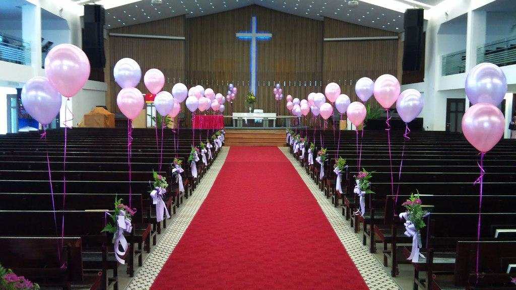 Image of: Church Wedding Decorations DIY