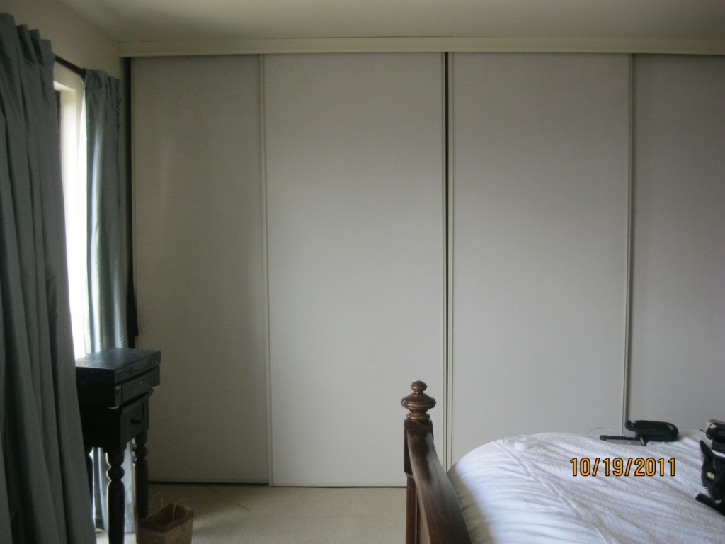 Image of: Closet Door Solutions