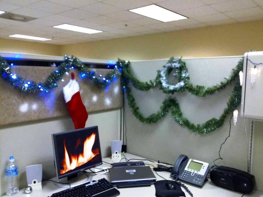 Image of: Cubicle Christmas Decoration