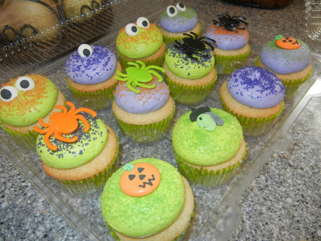 Image of: Cupcake Decorating Ideas For Halloween
