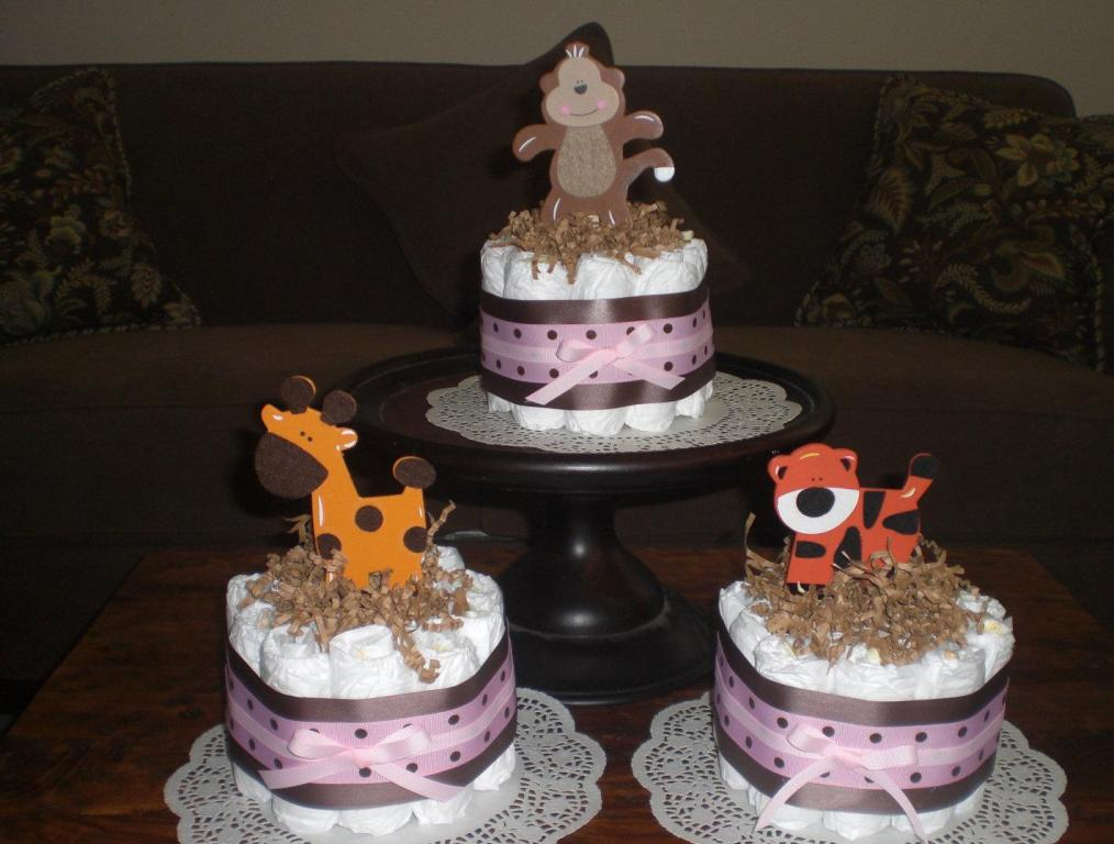 Image of: Diapers Baby Shower Monkey Centerpiece Pictures