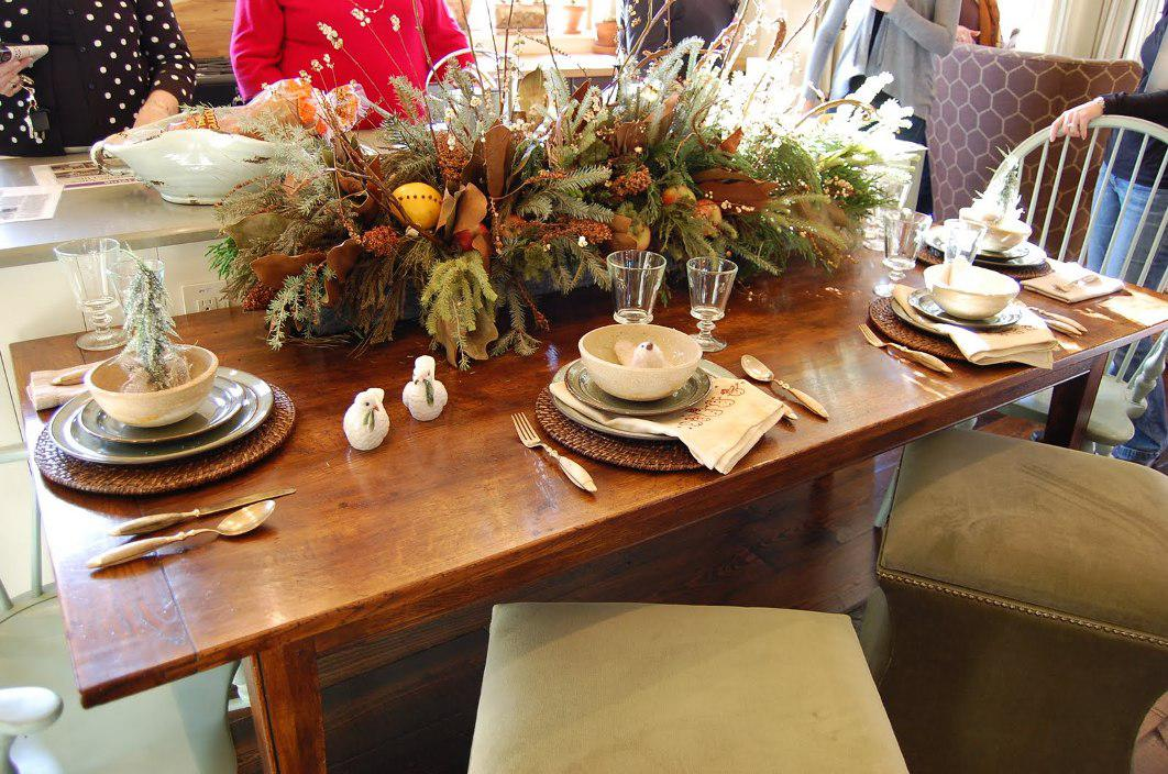 Image of: Dining Room Table Centerpiece Ideas