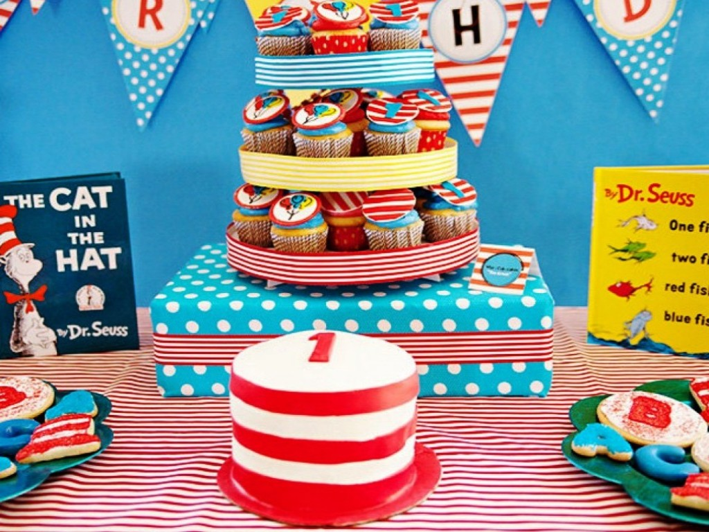 Image of: Dr Seuss Cake Decorations
