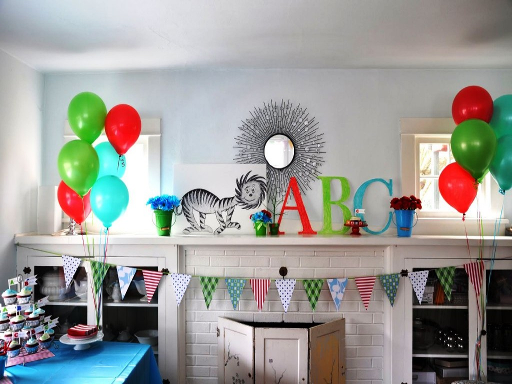 Image of: Dr Seuss Decoration Ideas