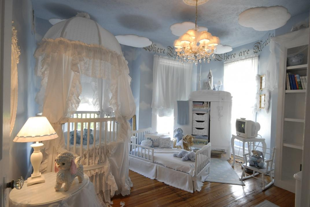 Image of: Girls Twin Canopy Bed
