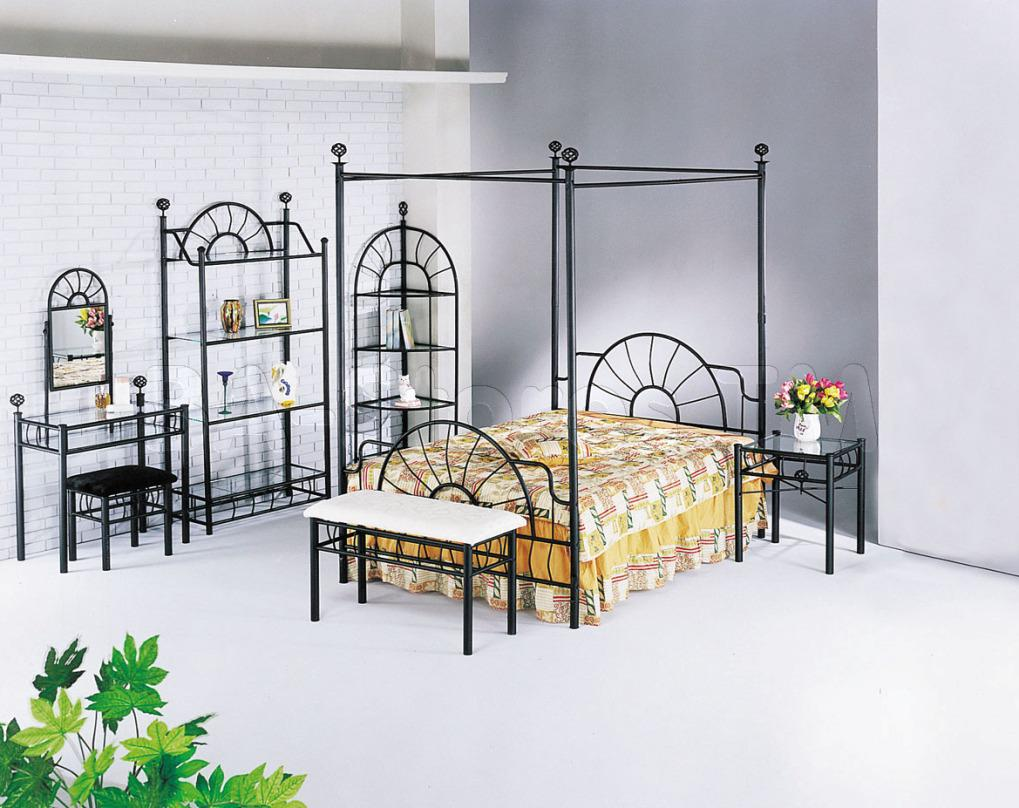 Image of: Iron Canopy Bed Frame