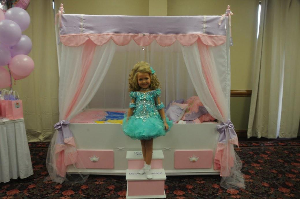 Image of: Kids Canopy Beds