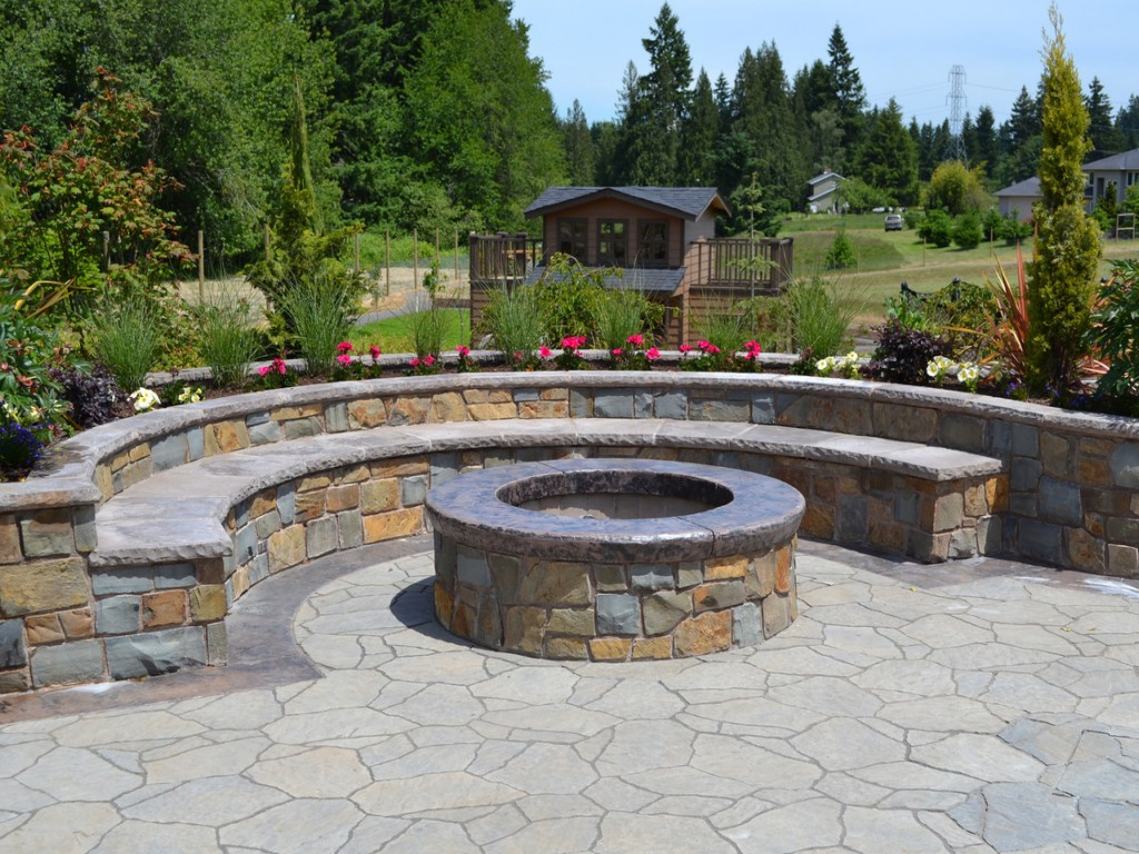 Image of: Natural Stone Fire Pits